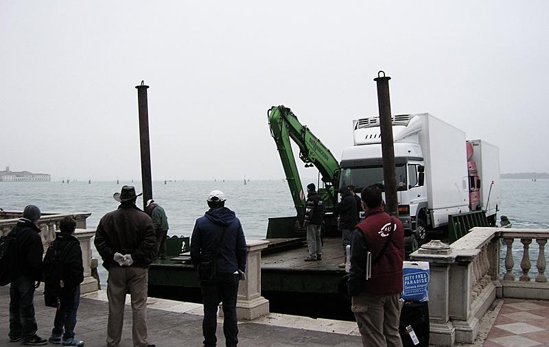 Bienal de Venecia 2009. Única empresa española en hacer descarga directa en el pabellón de España